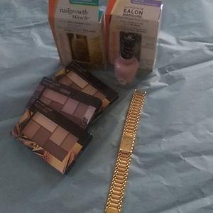 Beautiful Elgin Watch + Free Gifts!